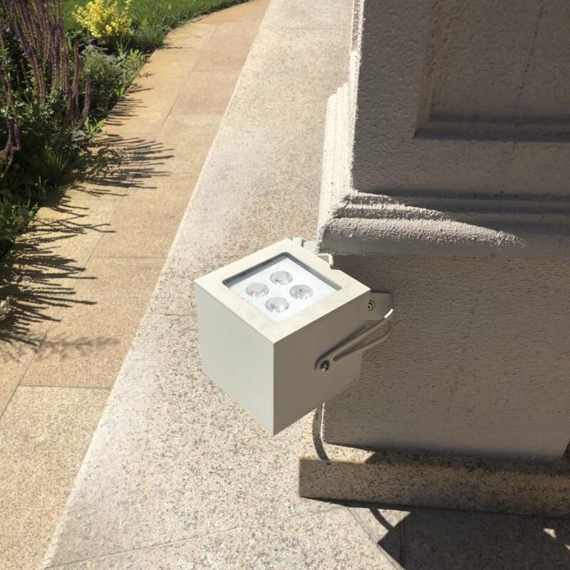 Box.80 уличный грунтовый прожектор
